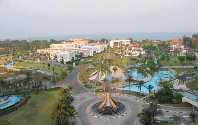Beach side with view apartment - Petchaburi - Flat
