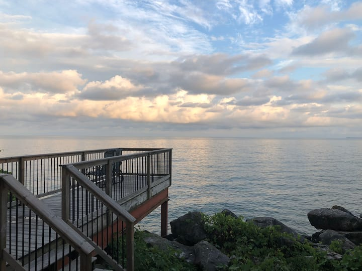 Healing Waters Retreat-Pelee Island-South Shore
