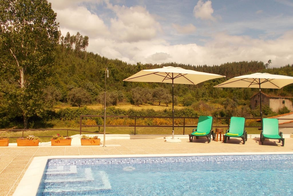 A summertime hideaway,and yet conveniently close to all amenities including a supermarket and restaurant/ bars ,which are walking distance from Casa Lerryn