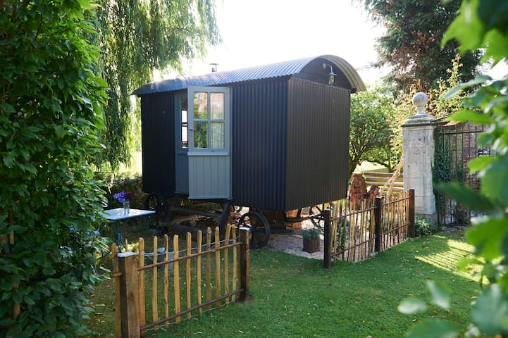 Brush Shepherd's Hut