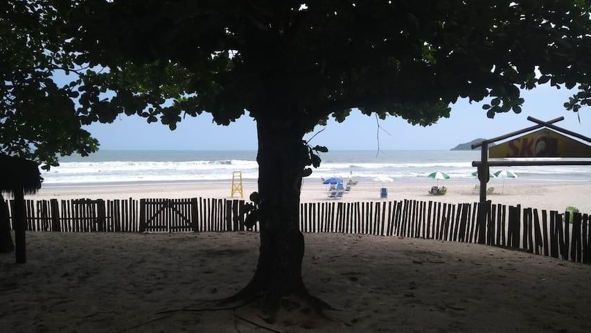 Casa Frente ao mar !! Praia de Camburi..