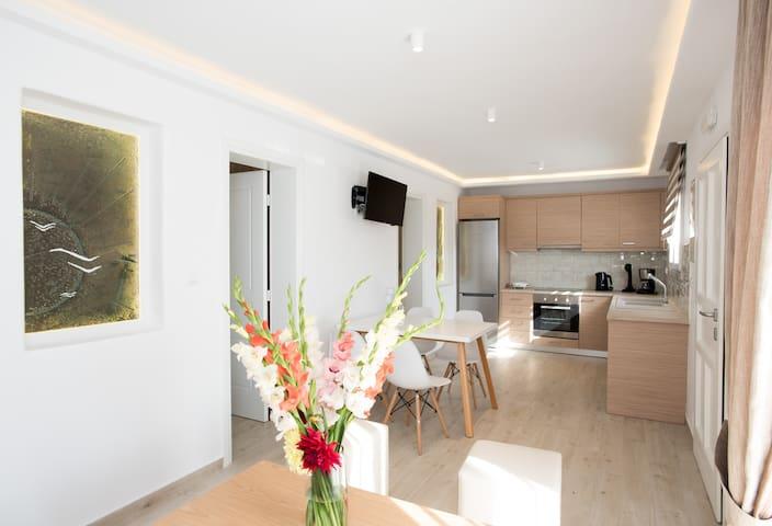 Yades Apartments No 12