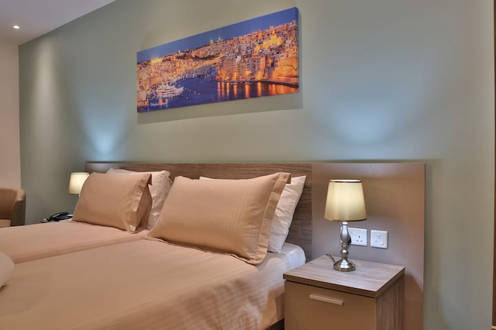 Luxury Room in a new Boutique Guesthouse in Gzira