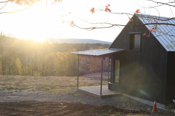 Passive Solar Cabin Worthy of Architectural Digest