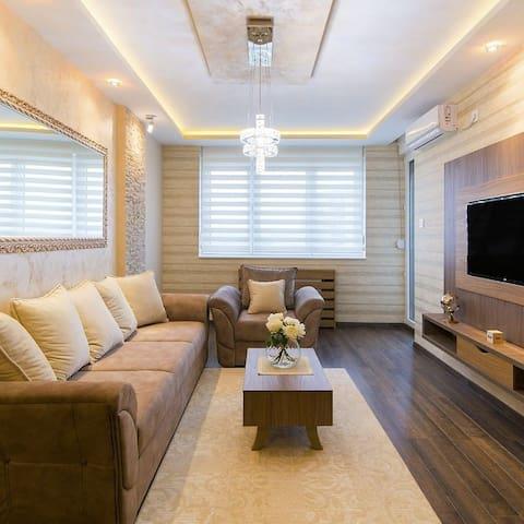 Luxury apartment         LA VISTA
