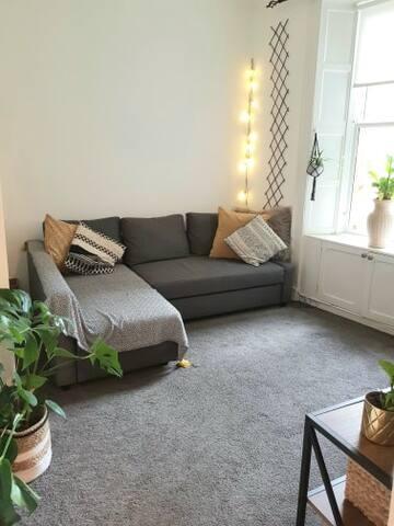 Luxury, Modern, City Centre Apartment - Sleeps 6