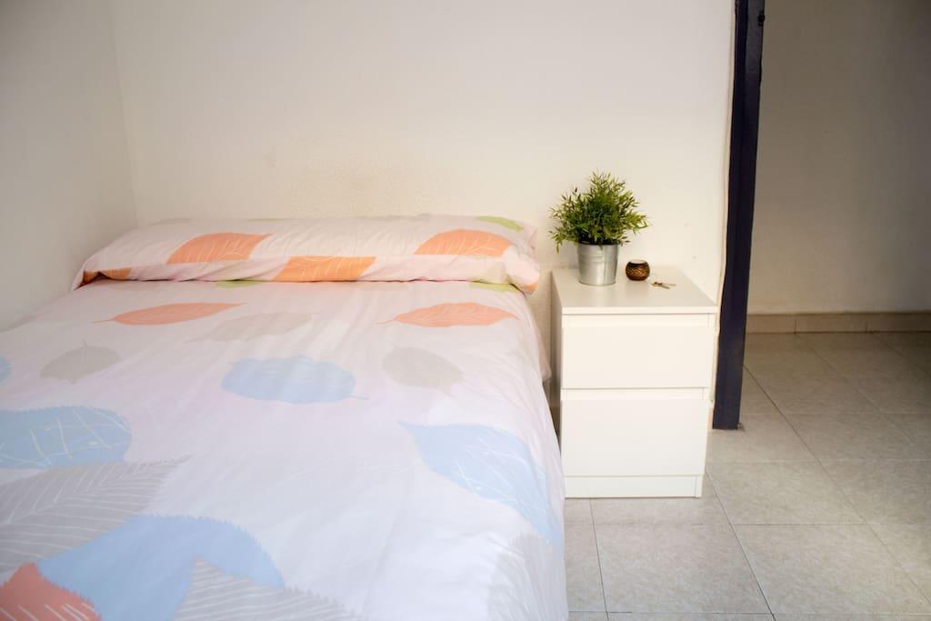 Habitaci n en zona tranquila apartamentos en alquiler for Habitacion familiar en zaragoza