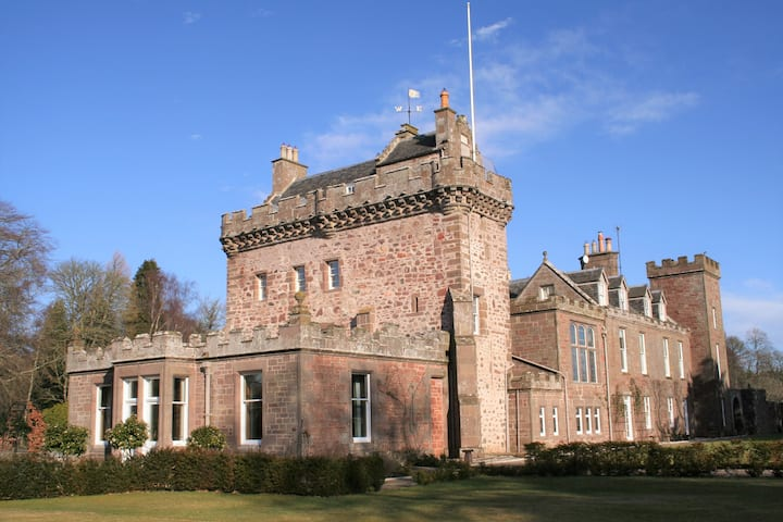 Thornton Castle - The Tower and The Blue Room