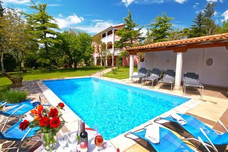 Villa Aurora - Brgod - Apartament