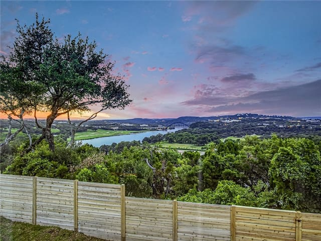 House with Views of Pennybacker Bridge and Lake