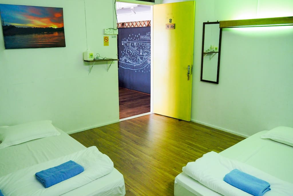 Family suitS for 4 person with bath room and aircon