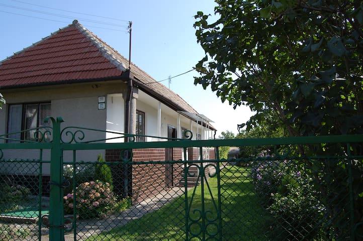 Countryside house near Kosice / Dom pri Košiciach - Slanec - 小木屋