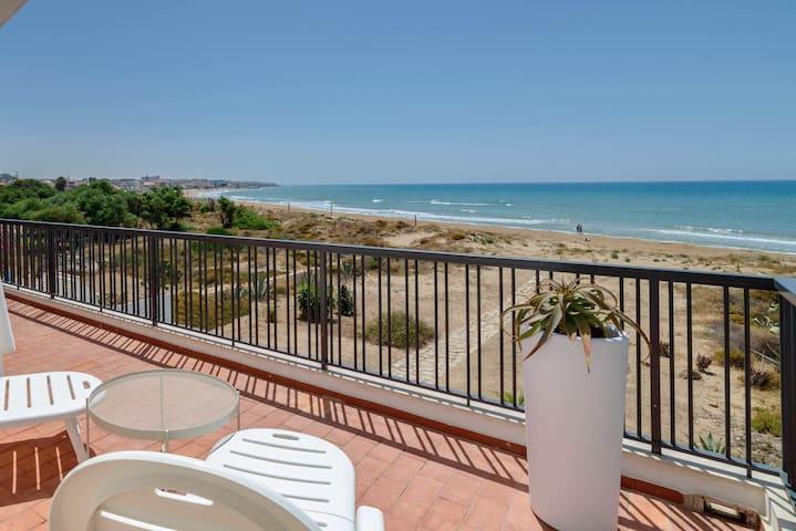 Amelia, villa sur la plage avec vue