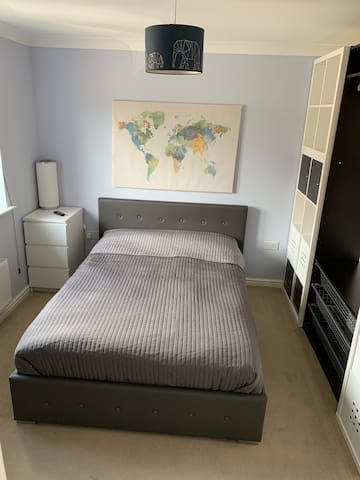 Double room with en-suite and parking in Dartford