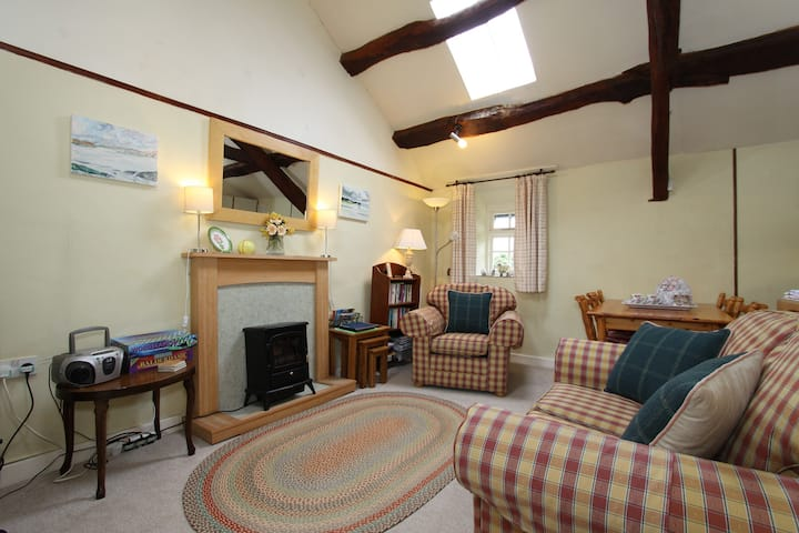 Y Stabal @ Llys Bennar Holiday Cottages