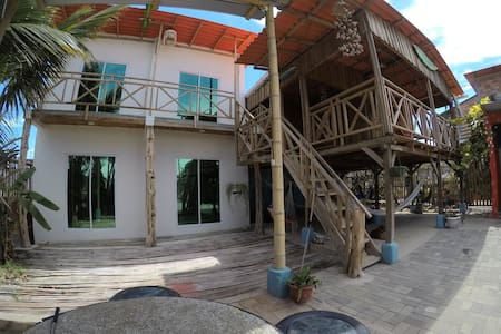 Hostal Suyuña - Pto. Engabao privada vista al mar