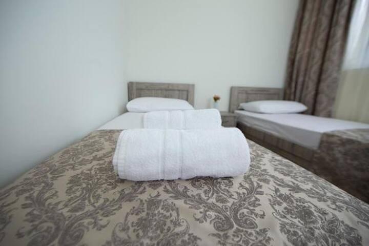 Orange Garden Hotel/Room 101 (bed&breakfast)