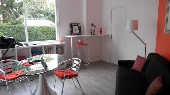 Charmant studio moderne 22 m2 - 10' Champs Elysées