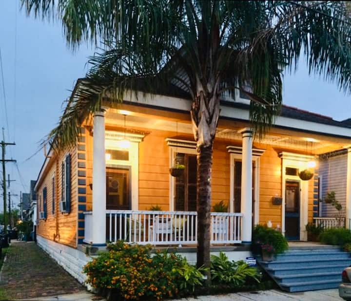 Adorable Bywater Beauty: Fantastic Location