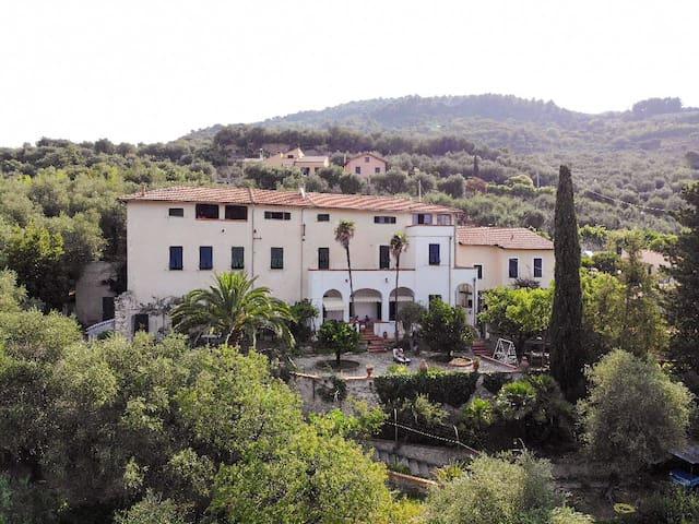 Wonderfull villa close to the sea