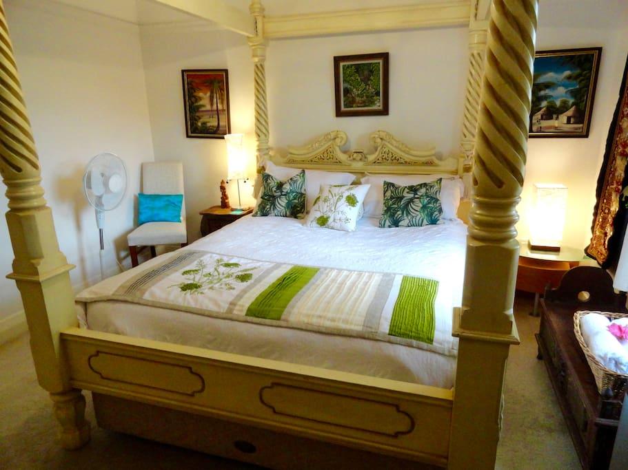 Balinese Ambience room