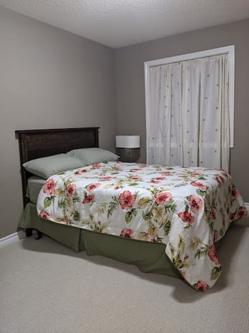 Comfy Affordable Stay Close to Amenities