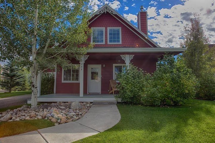 ♥ Family Home in Driggs near Grand Targhee - Hot Tub