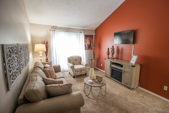 Downtown Apartment Free Parking With Pool View