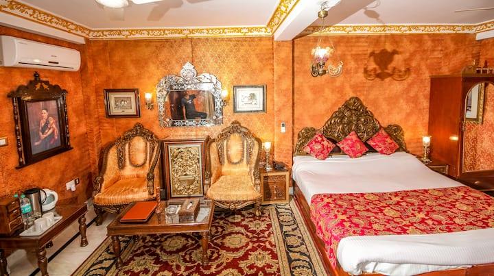 Ace Himalayan Getaway- Breakfast included, Suite 1