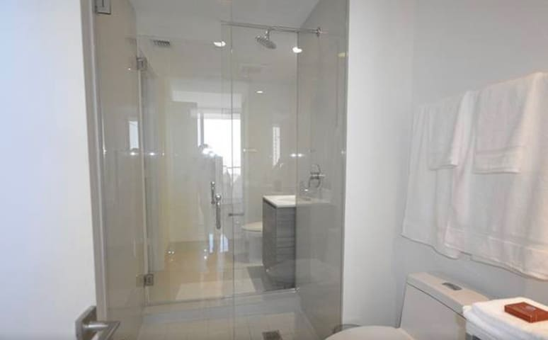 RARE FIND!!! Midtown BAY VIEW  High Rise Condo