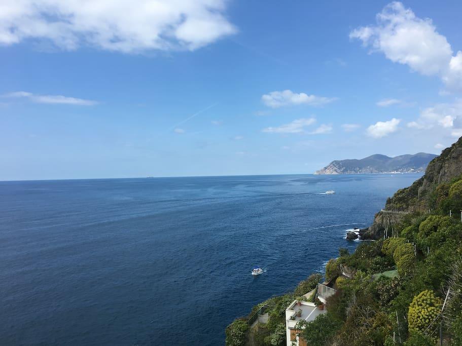 The breathtaking view, just 30 steps away// La vista mozzafiato a soli 30 scalini!
