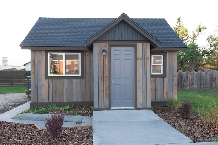 Cabin with Character in Downtown Tetonia
