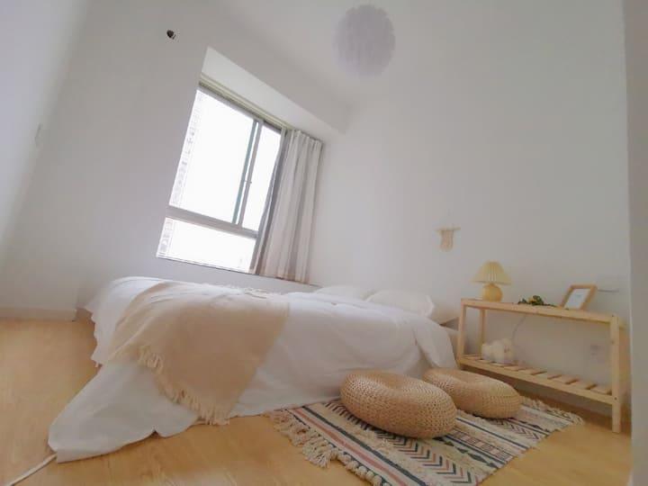 朴房「木吉ROM4」合租|超近地铁口|五室一厅两卫|乳胶床|大客厅|采光好|独立设计师