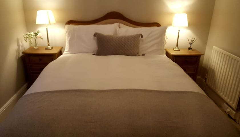 Guest double bed