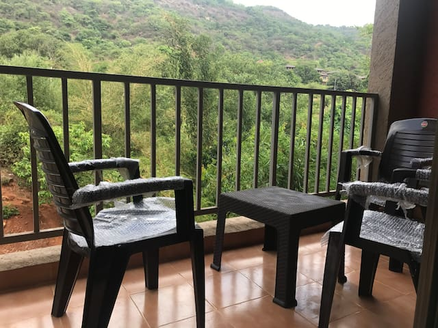Hill view getaway in Lavasa
