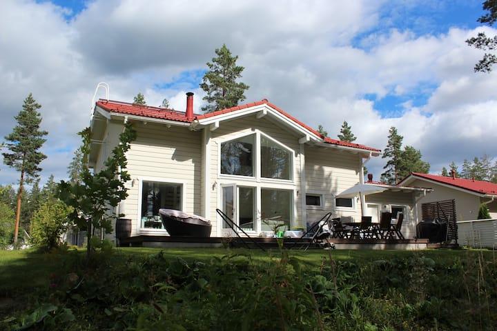 Omakotitalo Vierumäellä / A house at Vierumäki
