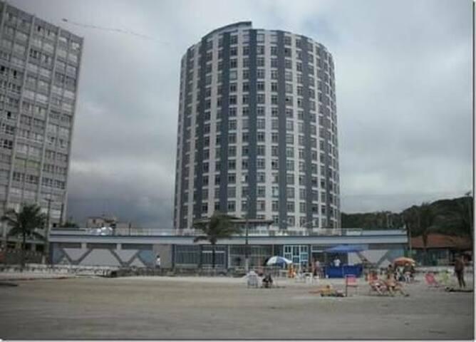 Apartamento pé na areia!