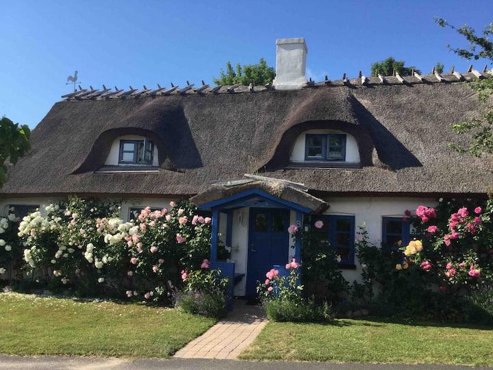 Charmerende bondehus i lille landsby