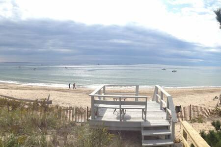 Relaxing Beachfront Getaway - 韦斯特利(Westerly) - 独立屋