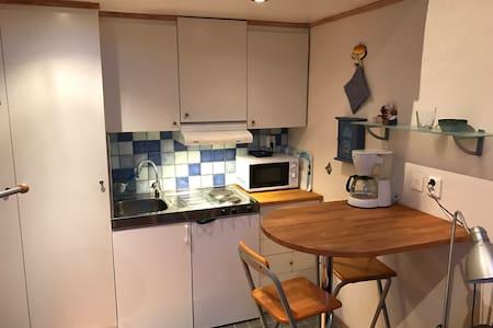 En mysig liten lägenhet med egen uteplats. - Falkenberg
