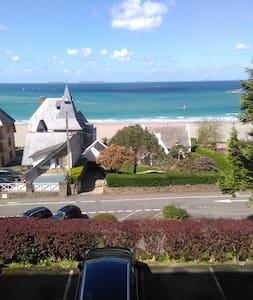 appartement face à la mer à 200 m de la plage
