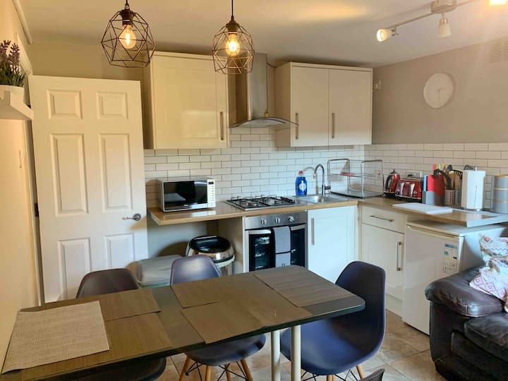 **Private two bedroom garden apartment**