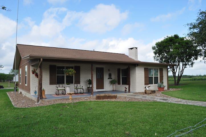 Los Robles Ranch House, B&B - Cuero - Oda + Kahvaltı