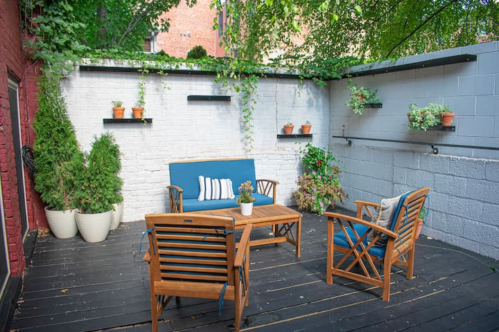 Great Parkside Apt w/ Private Patio & Sun Deck