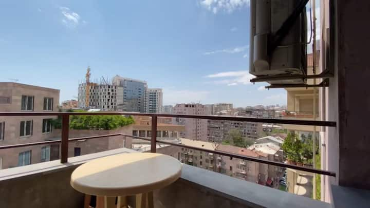 North Ave apt. with balcony