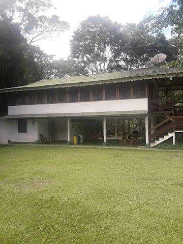 Bella casa en el Caribe Sur