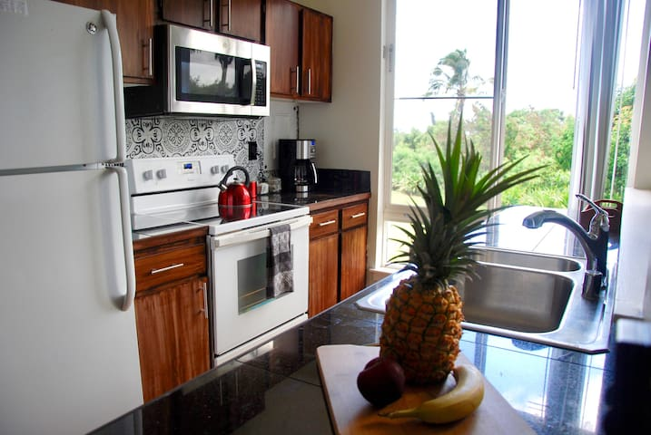 Sparkling Clean & Sanitized. 1br/2ba @ The Cliffs!