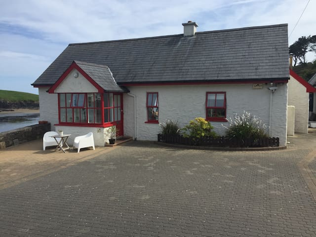 Kinsale Seaside Cottage Sandycove - Kinsale - Dům