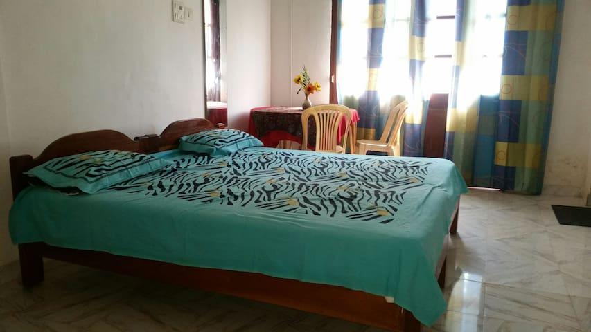 Budget Guest house #8(baga road) - Baga - Haus