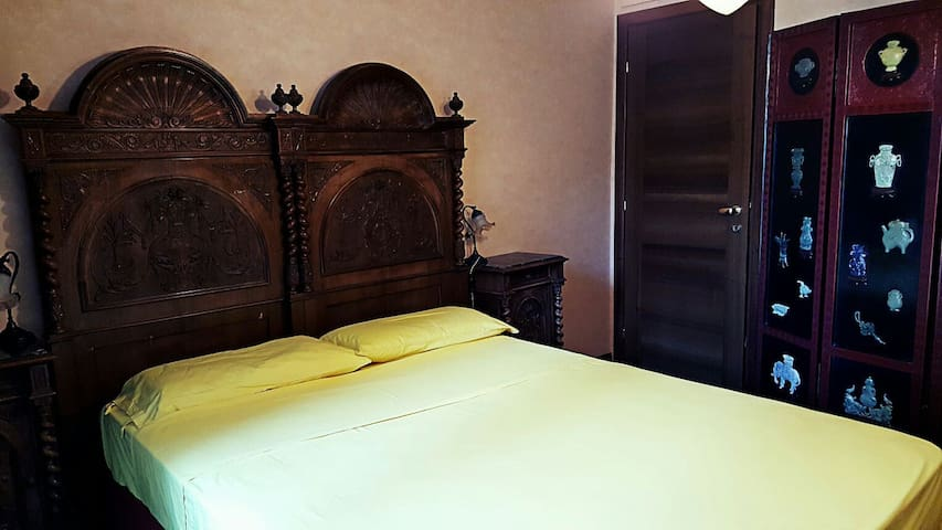 Quiet room in family house close to Milano center - Milano - Talo